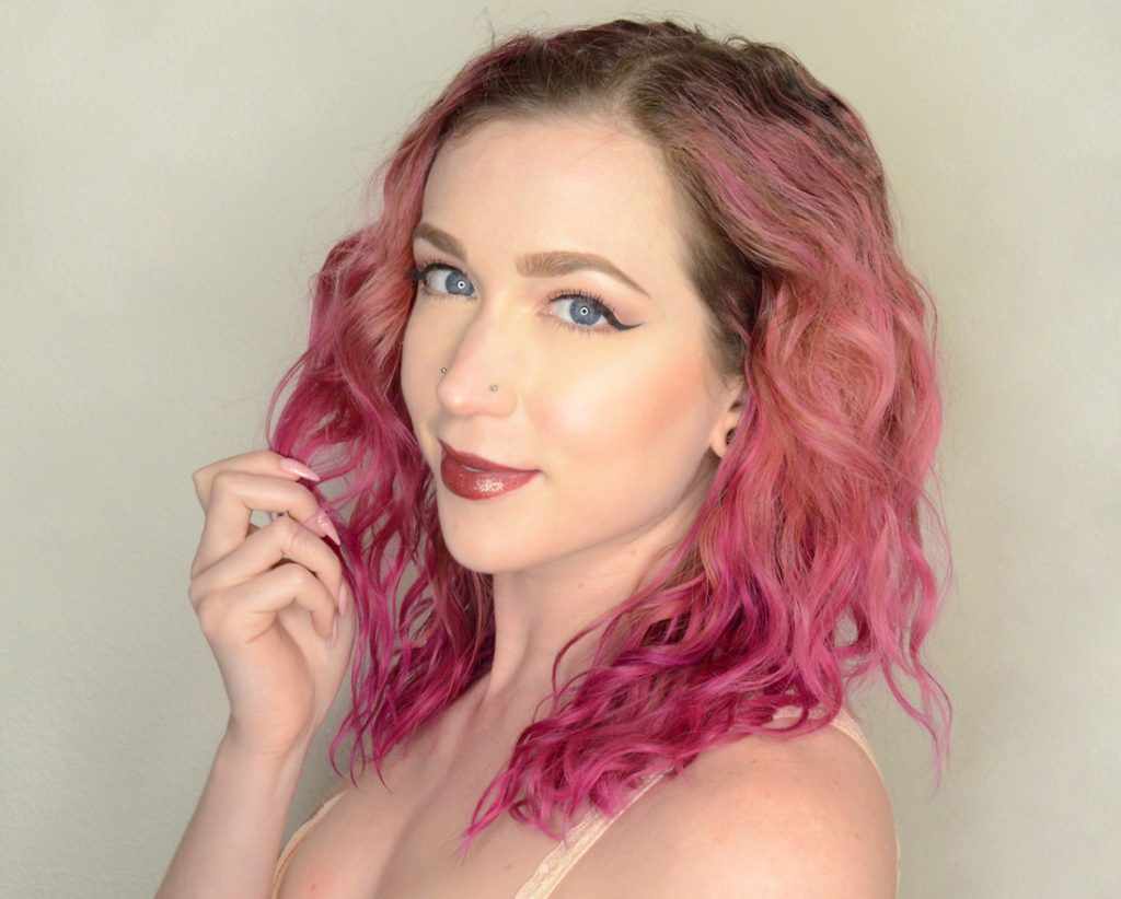 Los Angeles Cruelty-Free Beauty Blogger, Emily Wolf Beauty is using Jeffree Star Liquid Lipsticks as Eyeliner. You have to see this to believe it, it's gorgeous.