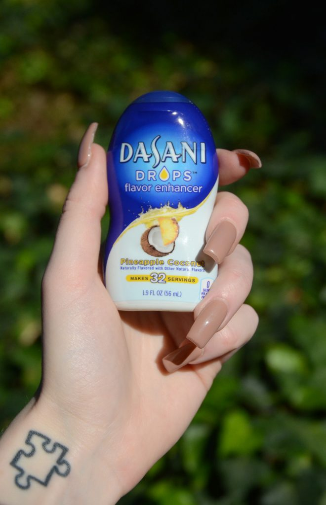 Dasani flavor drops in pineapple coconut