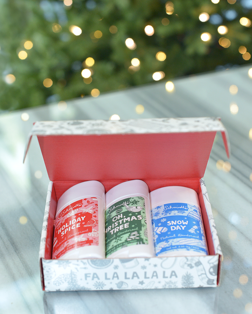 Los Angeles Cruelty-Free Beauty Blogger, Emily Wolf Beauty shares the best cruelty-free holiday gift guide for the holiday season.