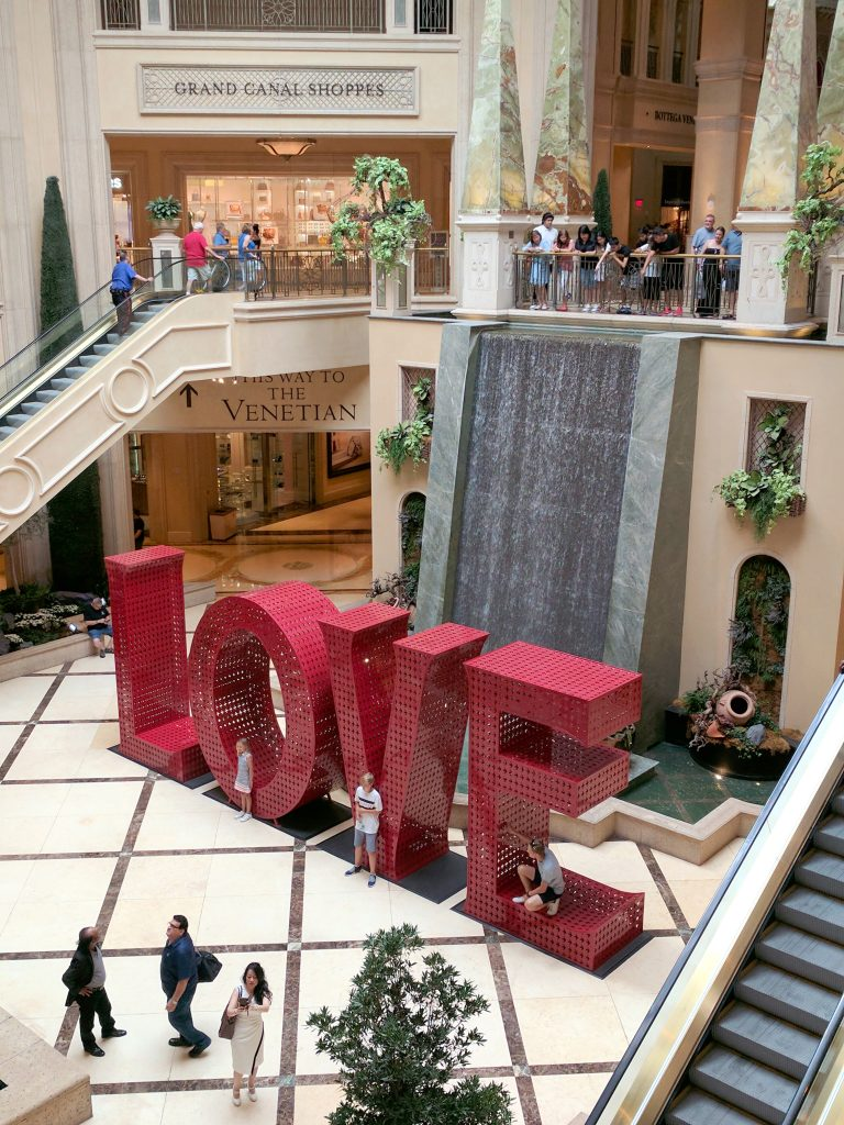 Vegas LOVE sculpture by Laura Kimpton Cosmoprof and a Stay at the Palazzo Hotel with Los Angeles Cruelty-Free Beauty Blogger, Emily Wolf Beauty.